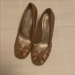 Steve Madden Peep-Toe Pumps Brown 7.5